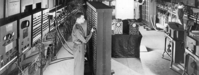 1946年製造の大型コンピュータENIAC